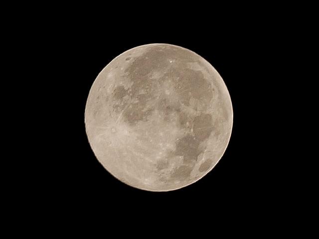 Full_moon_2
